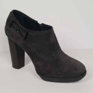 Tod's Grey Suede Ankle Boots